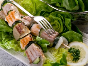 bigstock_grilled_tuna_and_salmon_skewer_27494087